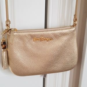 Lilly Pulitzer Bags - Lilly pulitzer cruisin crossbody gold 694b7a68f0bba